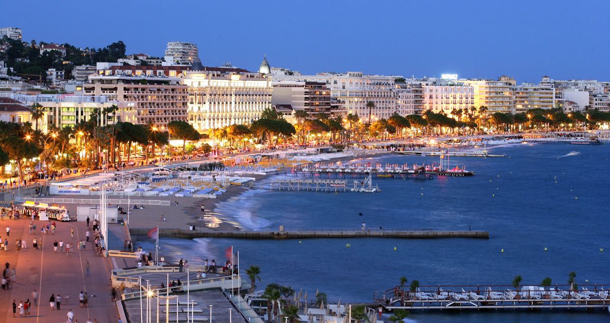 car-luxury-agency-rent-a-car-in-cannes-croisette
